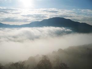 山と雲.jpg